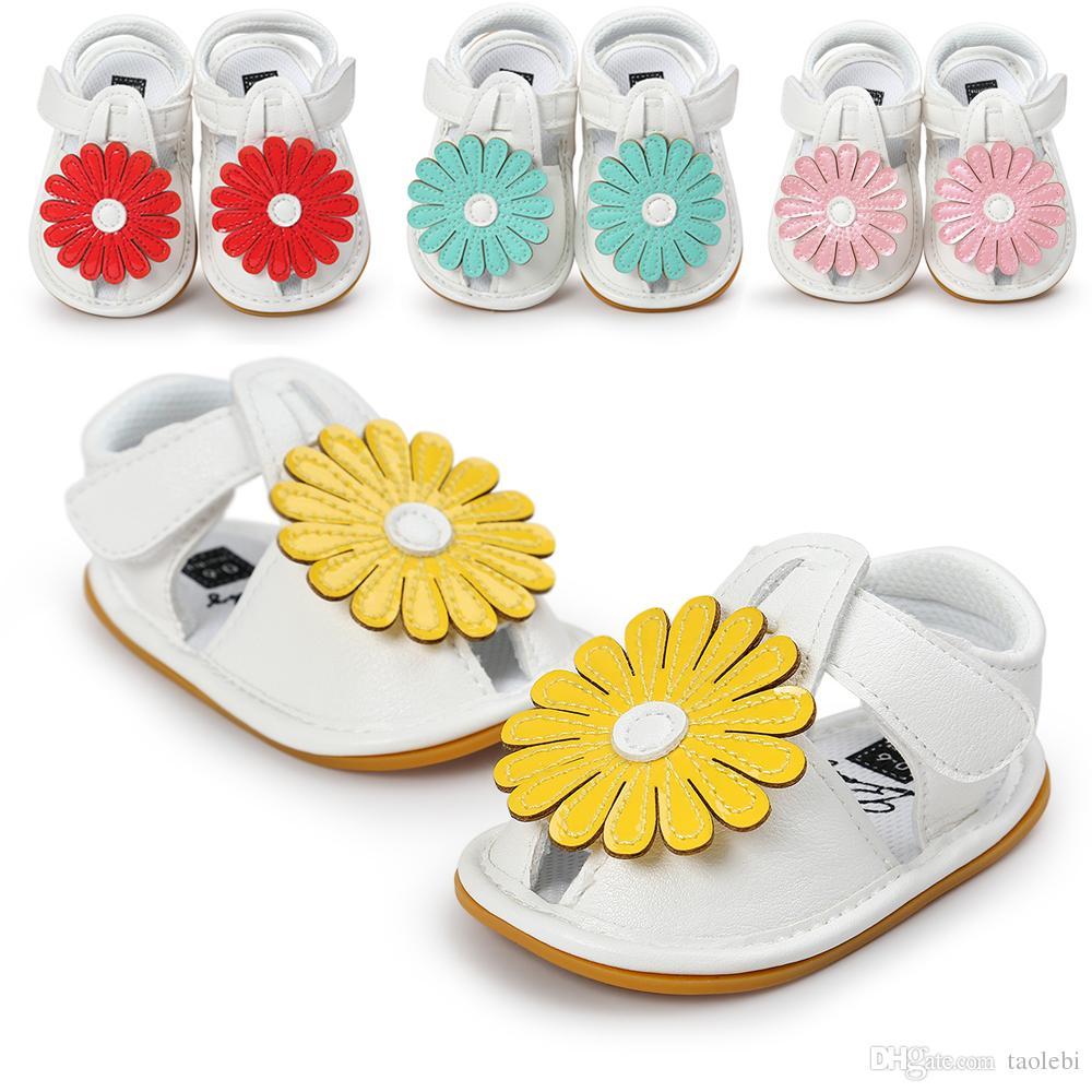 2017 filles d'été en cuir souple sandales conception de tournesol bébé Prewalker semelle souple en cuir Sandales bébé mocassin sandales