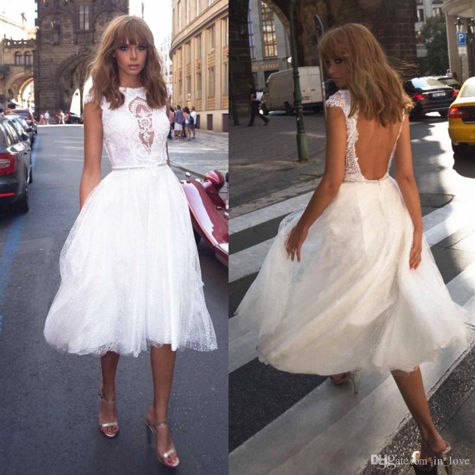 Neue Casual Tee Länge Brautkleider Backless Flügelärmeln Spitze Tüll Eine Linie Kurze Brautkleider vestido de noiva Benutzerdefinierte Größe