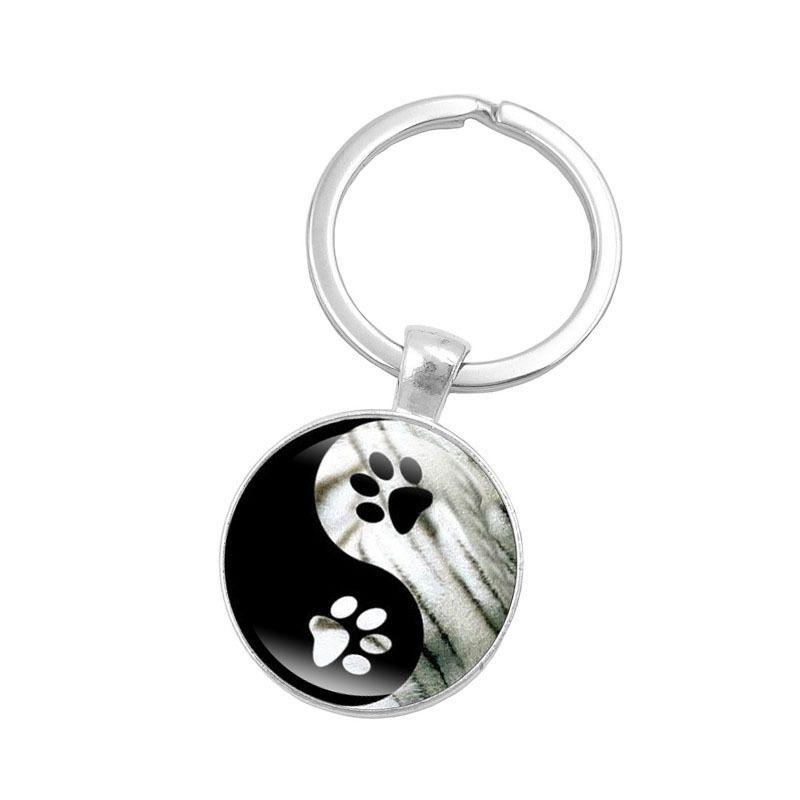 Hot! 10pcs Yin Yang Tai Chi Key Chain Animal Footprints Jewelry Handmade Art Glass Pendant KeyChain Silver Key Ring for Women Gifts
