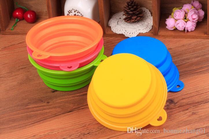 50pcs heiße Verkaufs-Haustier-Produkte Silikon-Schüssel Haustier klappbaren tragbaren Hundenäpfe Großhandel für Lebensmittel der Hund Trinkwasser Schüssel-Fressnäpfe