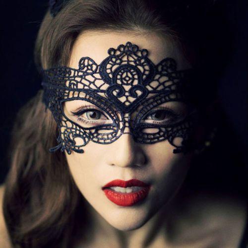 Vente en gros-2017 vrais adultes cheval masque Mascaras noir / blanc masque de papillon yeux sexy discothèque Xmas dentelle broderie découpe Veil K6213