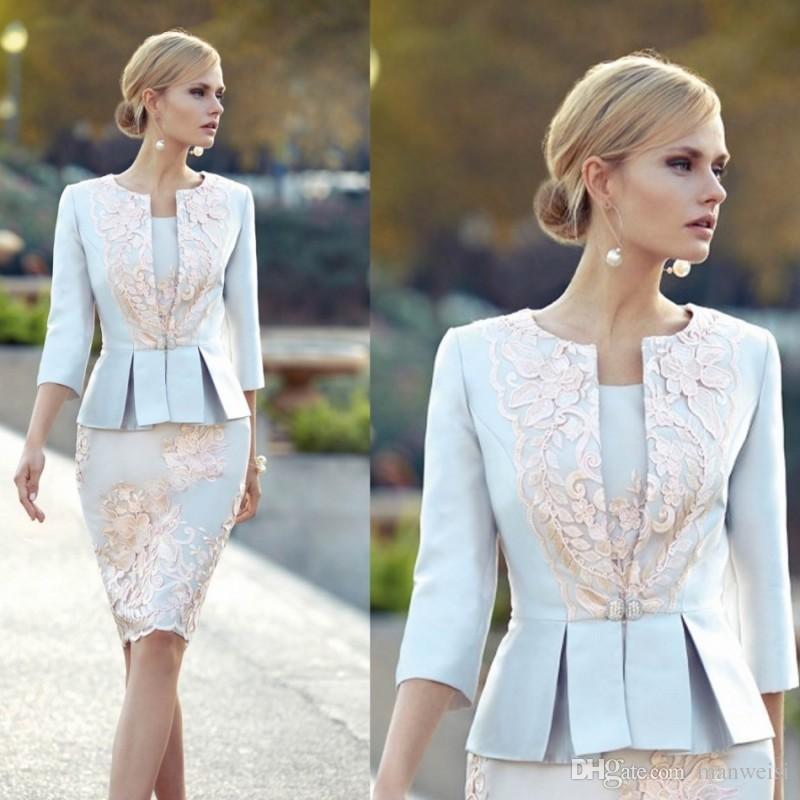 Billig Applizierte Mutter der Brautkleider mit 3/4 Ärmeln Peplum Hochzeit Gastkleid Knielänge Plus Size Jacke Mütter Bräutigam Kleid