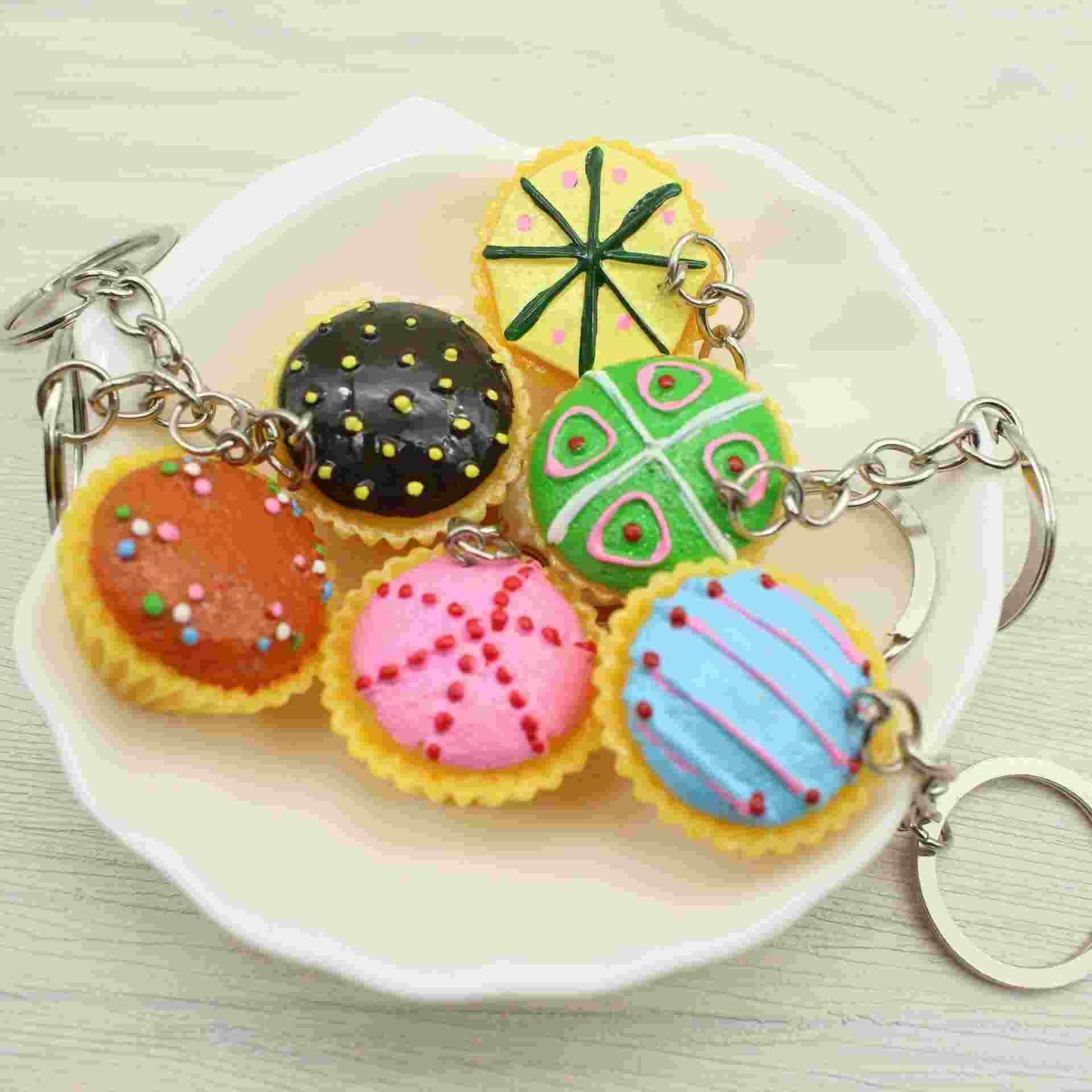 Korean cute personality creative gifts mini food simulation resin Cup Cake key buckle All kinds of small gifts