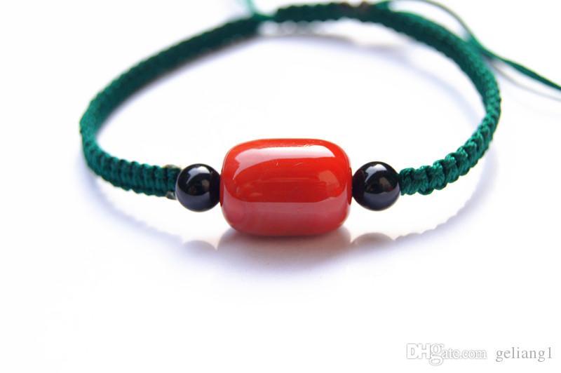 El katener, saf manuel dokuma koyu yeşil kare düğüm + 1 kırmızı akik boncuk şanslı bilezik