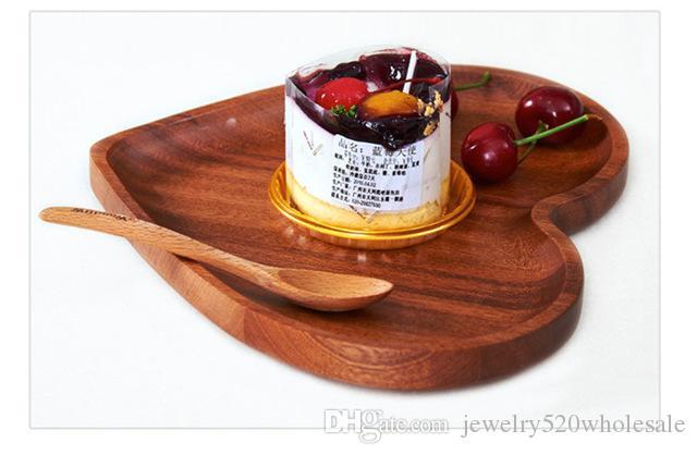 Plateau en bois de plat de portion de plat de service de coeur plat de mode Plateau en bois créatif de vaisselle pour le fruit de casse-croûte