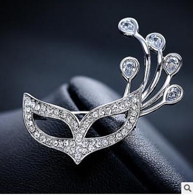 Broche de cristal máscaras a raposa corsage high-grade chave big pins cardigan broche broches cadeia cachecóis fivela
