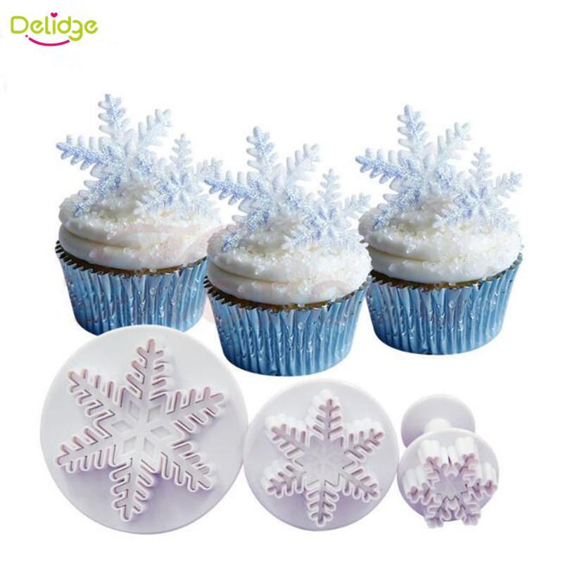 Wholesale- 3 pcs/set Snowflake Cookie Mold Plunger Snow Shape Cookie Cutter DIY Baking Snow Flower Cake Fondant decoration Biscuit Tool