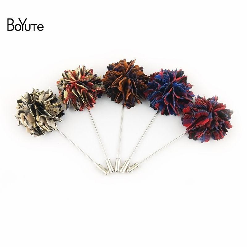 BoYuTe 30 Adet Yüksek Kaliteli Broş El Yapımı Kumaş Çiçek Mens Yaka Pin Damat Düğün Yaka Çiceği Iğneler Moda Aksesuarları