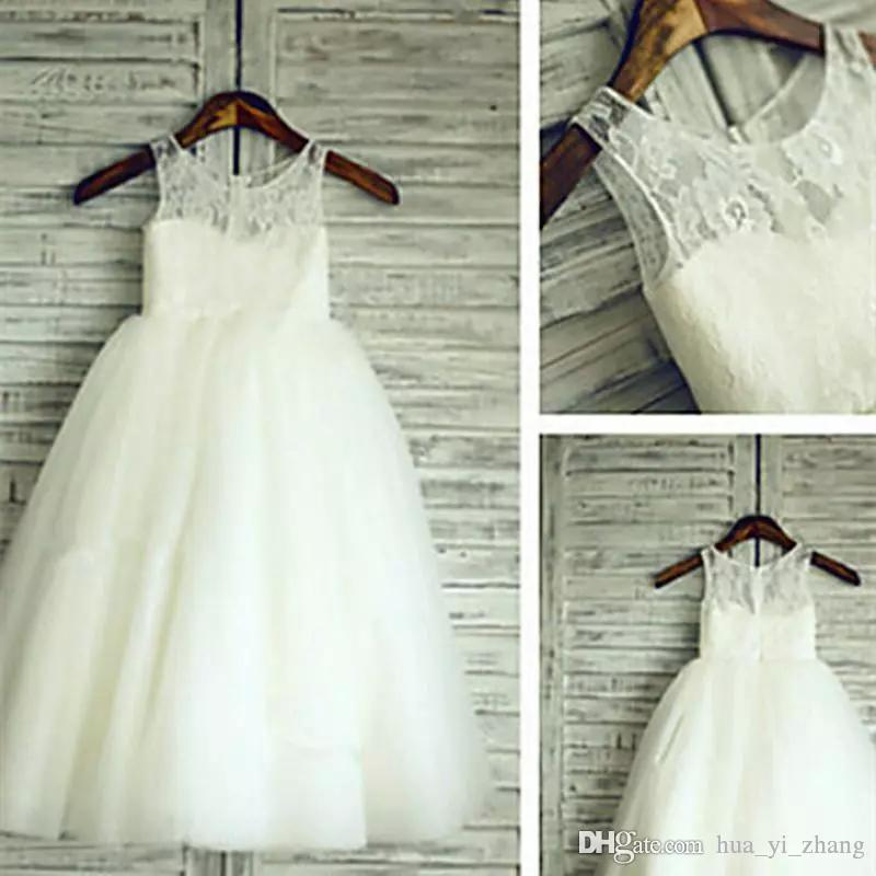 2017 Cheap Flower Girl Dresses Sheer Round Neckline Lace Top with Fairy Tulle Skirt Little GirL Pageant Gowns