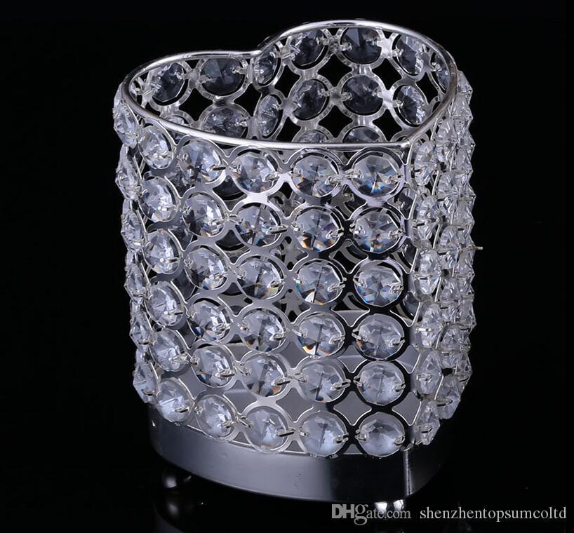 Heart Shape Metall Kerzenhalter mit Kristallen Standsäule versilbert Hochzeitsdekoration