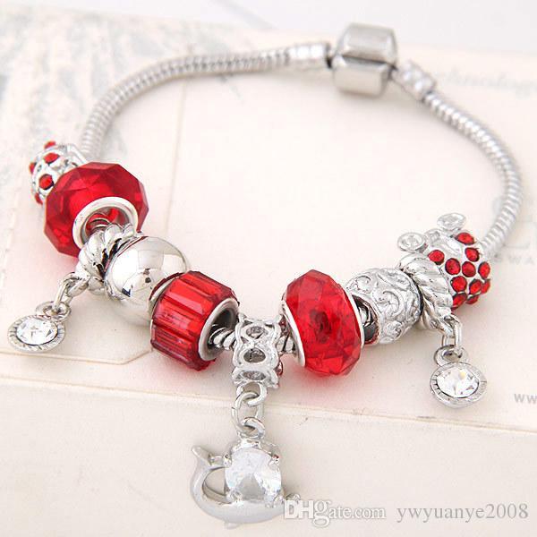 Bracelet en perles de verre fermant la couronne La nouvelle tendance de la mode: un simple bracelet européen chaud, des magasins d'usine de bijoux en gros de Yiwu