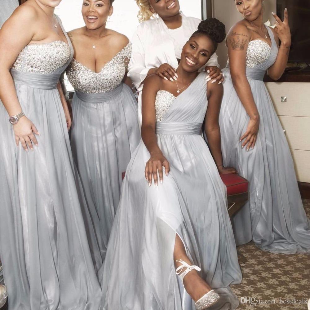 Una linea una spalla in argento in rilievo cristalli paillettes lungo argento chiffon in chiffon damigelle d'onore abiti 2017 Abiti da sposa africani