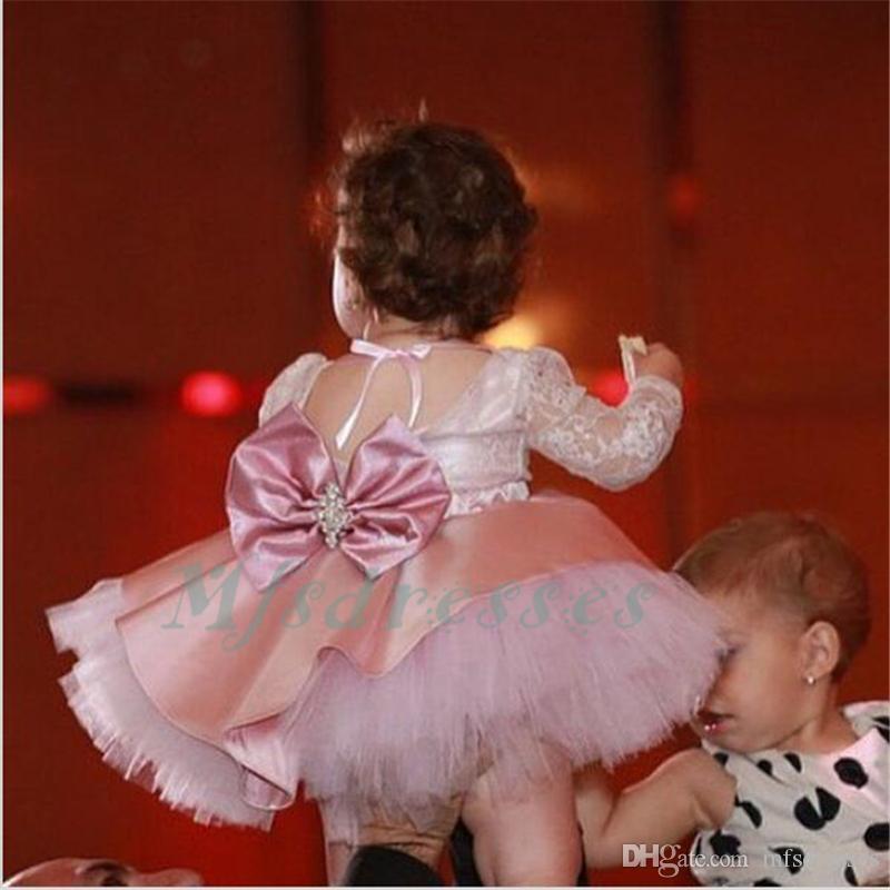 2017 милый розовый кружева короткие платья девушки цветка с бантом длиной до колен кристаллы створки прекрасные дети День Рождения платья девушки театрализованное платья