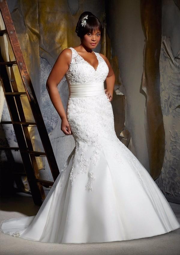 Plus size Vintage Wedding Dresses lace mermaid V neckline belt Bridal Gown modest Bridal Gowns plus size wed dress