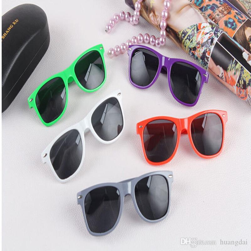 حار بيع الأزياء الجديدة للجنسين نمط جديد متعدد الألوان الصيف الظل النظارات الشمسية 500pcs / lot