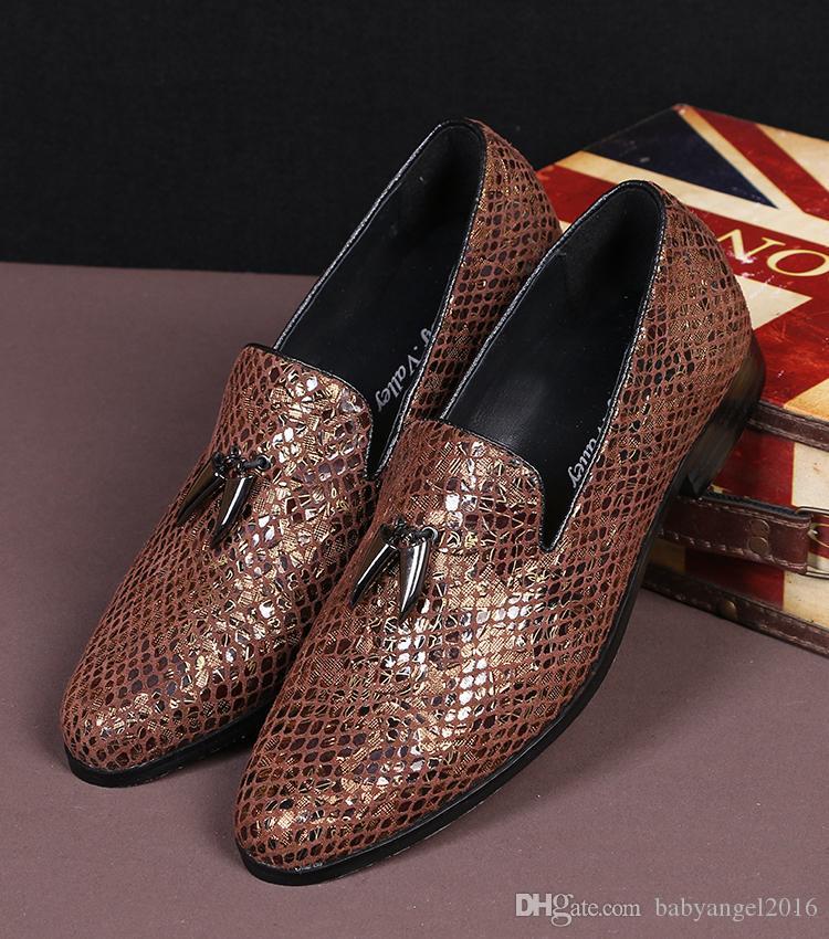 Der Loafer-Freizeit-Schuh-grüne runde Zehen-Beleg der Modedesigner-Männer auf Leder-Schuhen für beiläufige flache Bootsschuhe 38-46 der Männer 4Colors
