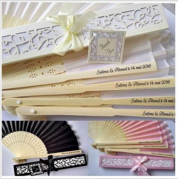 50pcs / lot personalisierte luxuriöse Seidenfalte Handventilator in der eleganten Lasergeschnittene Geschenkbox + Party Gefälligkeiten / Hochzeitsgeschenke + Druck 10 Farbe