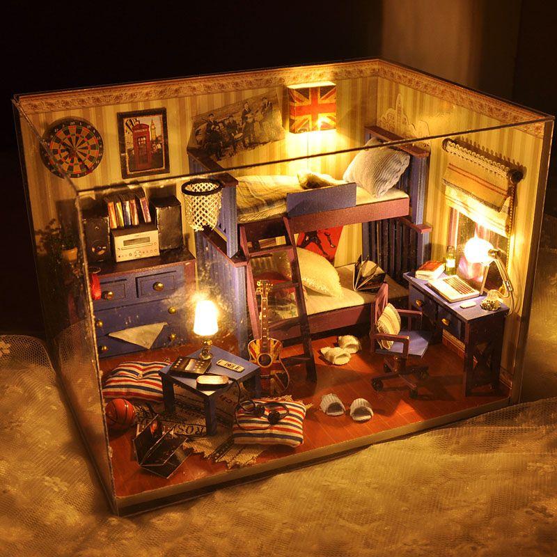 Atacado 2016 Decoração New Home Artesanato Diy Doll House Casas de madeira em miniatura Itens Dollhouse Furniture Kit quarto guias Luzes presente Tw4