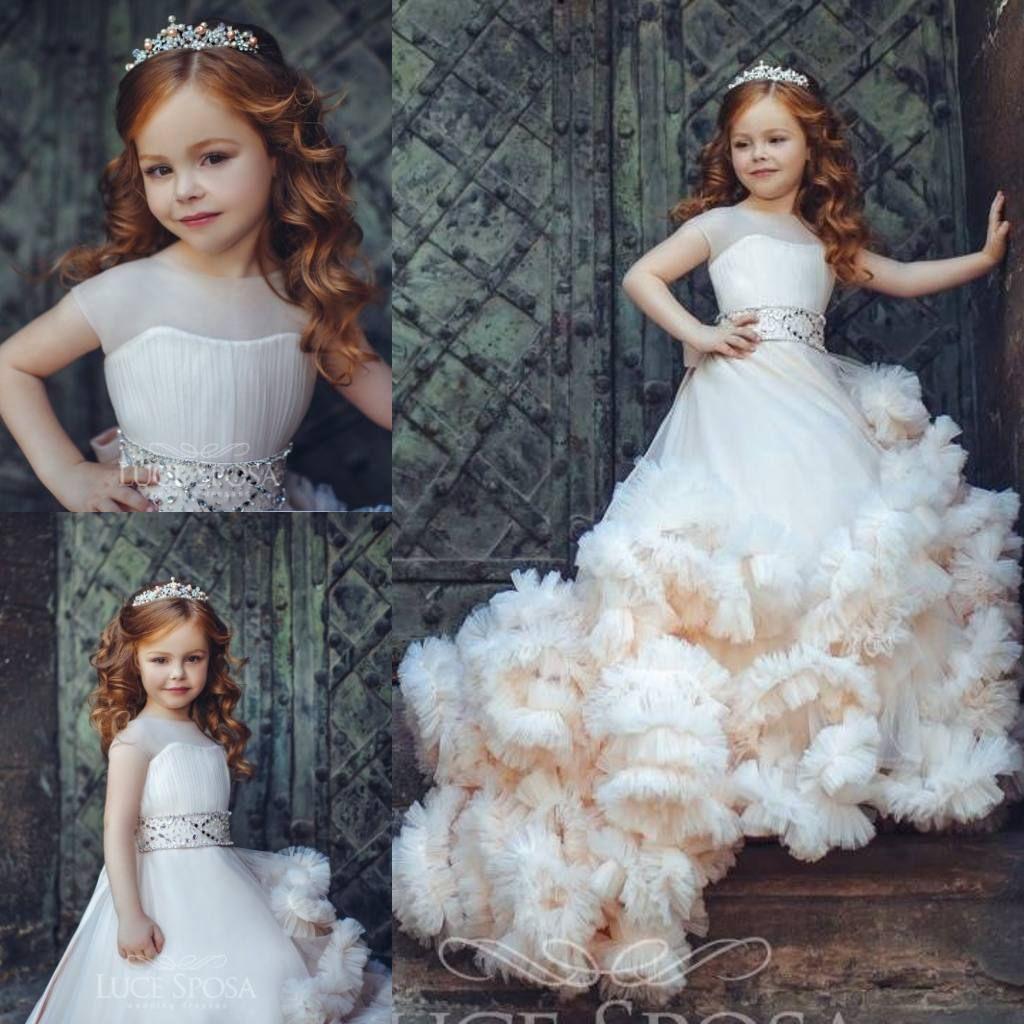 Nuovo arrivo Occasione increspato Flower Girl Dresses speciali per matrimoni pieghe Bambini spettacolo degli abiti di Tulle dell'abito di sfera vestito della prima comunione