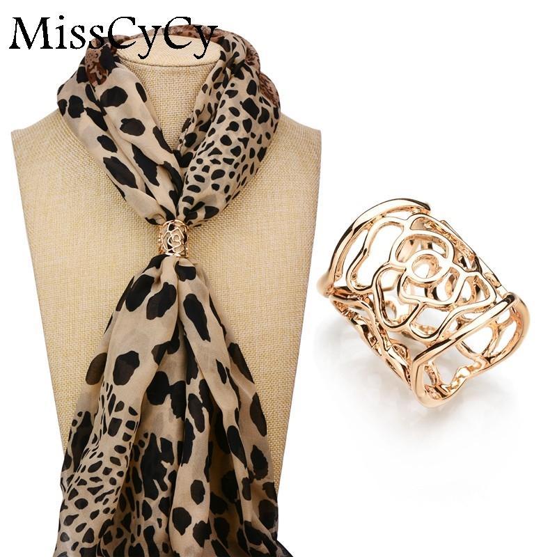 Wholesale- Misscycy Nouvelle arrivée Broche Vintage Or - Clip Foulard plaqué Hollow Rose Flowches pour femmes Cadeau