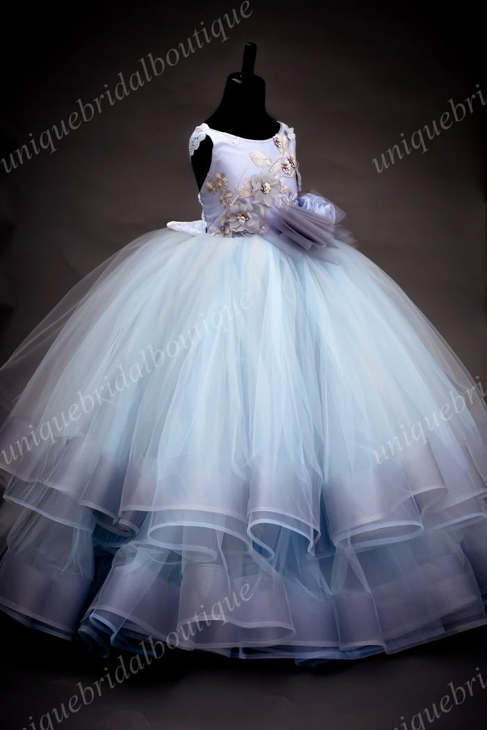 Soft Blue Gray Vestidos Primera Comunion Para Ninas With Ruffles Skirt And Big Bow Ball Gown Flower Girls Dress With Gold Details Buy Flower Girl Dresses Discounted Flower Girl Dresses From