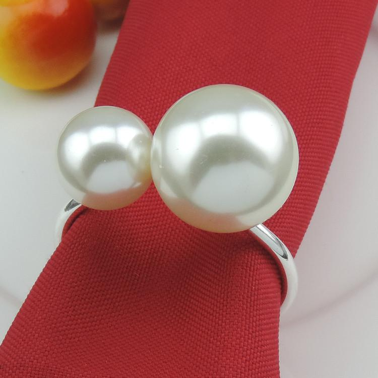 Wholesale- 12pcs Simple creative decorative napkin ring towel ring metal large pearls napkin buckle Hotel wedding banquet table decoration