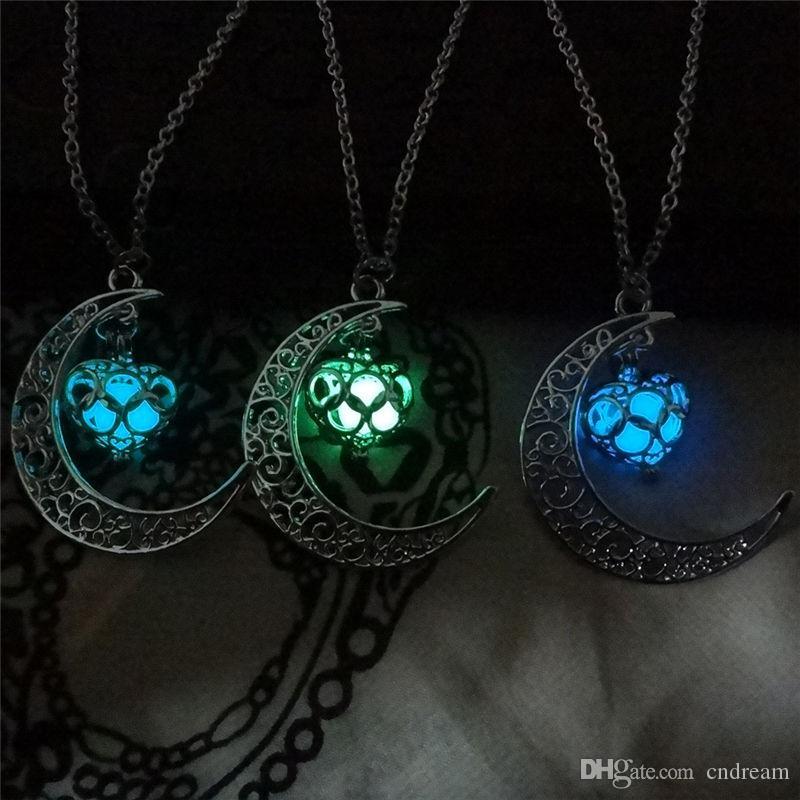 El resplandor de la luna Collar Noctilucence Corazón en las Cadenas oscuro esencial difusor de aceite collar colgante Guardapelos Jewlery para las mujeres envío de la gota