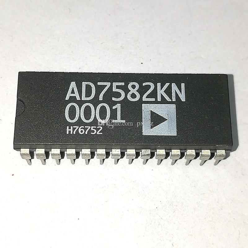 AD7582KN. AD7582, doppio pacchetto in plastica a 28 pin in linea. PDIP28 / 4-CH. Circuito integrato IC / componenti elettronici 12 bit