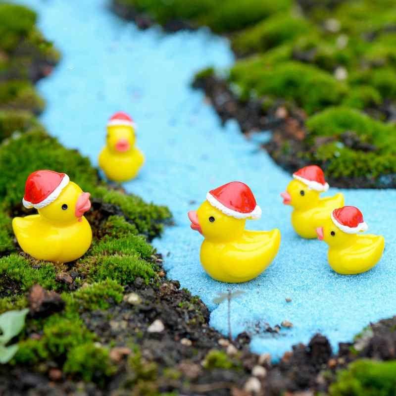 Christmas Duck.2019 Christmas Yellow Duck Moss Zakka Mini Micro Landscape Resin Handicraft Decoration Diy Cake Accessories Fairy Garden Diy Terrarium Material From
