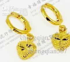 orecchini in oro giallo a forma di cuore in oro giallo