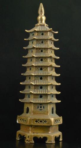 Soberba china COLECTAVEL VELHA DECORAÇÃO de bronze ESTÁTUA de fundição leifeng pagode