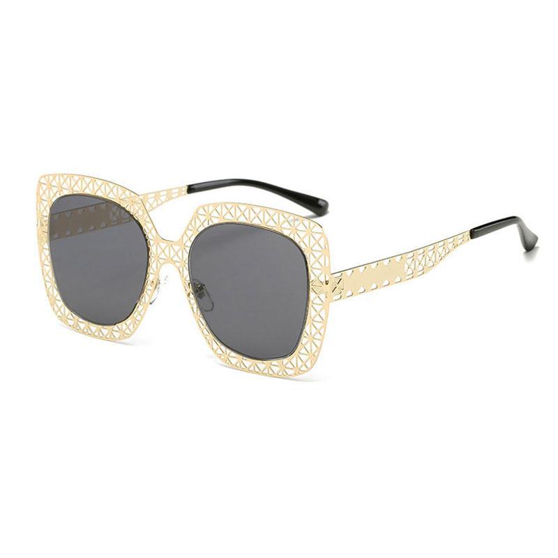 Le ultime signore Fashion Occhiali da sole Donna Hollow out Brand Design Donna Vintage Occhiali da sole Donna Rivet Shades Big Frame hollow Sunglasses