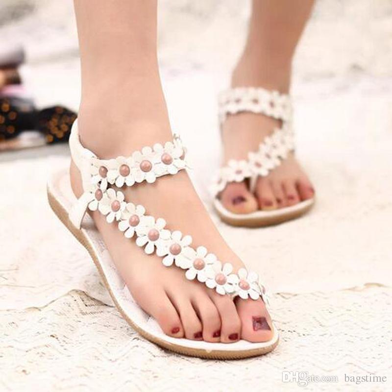 Beyaz Ve Bej Çiçek Düz Topuk Sandalet Moda Bohemia Plaj Ayakkabıları Kadın Terlik Sandalet Kız Moda Terlik Ile Yüksek Kalite