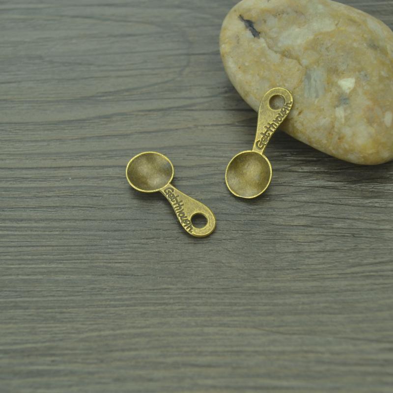 Atacado 80 pçs / lote tom de bronze do vintage encantos de metal jóias pingentes de colher suprimentos se encaixa diy pulseiras colar B4289
