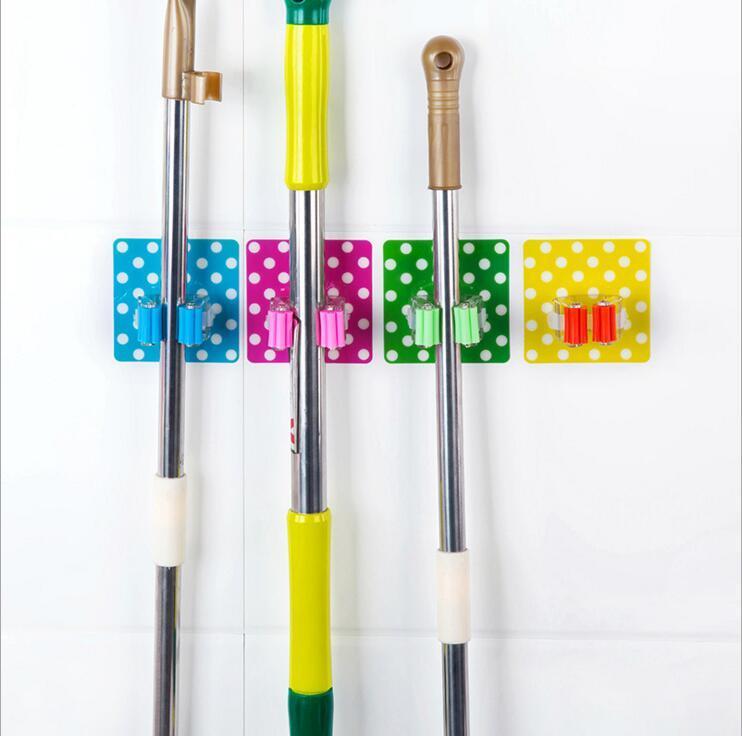 Mignon points fort bâton en plastique salle de bains balai vadrouilles titulaire rack support maison cuisine stockage balai organisateur salle de bains accessoires