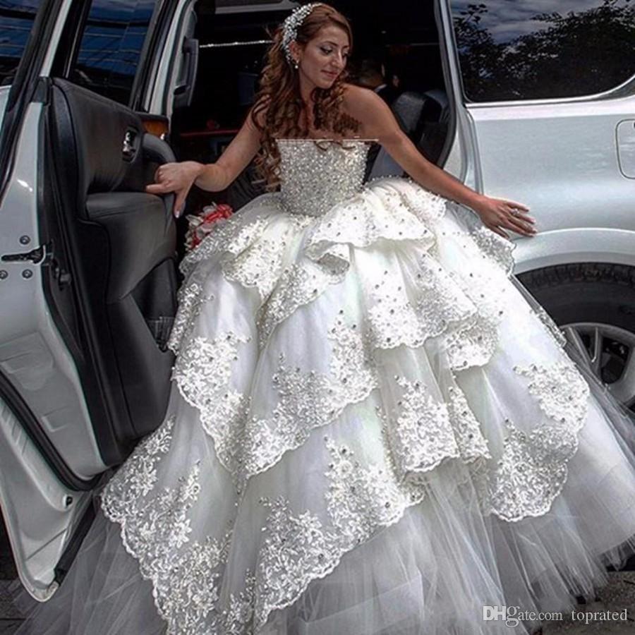 Bon marché robes pleines de perles de mariage robe de bal 2020 col bateau sexy robes de mariée en dentelle corset corsage en plusieurs niveaux robes de mariée appliques