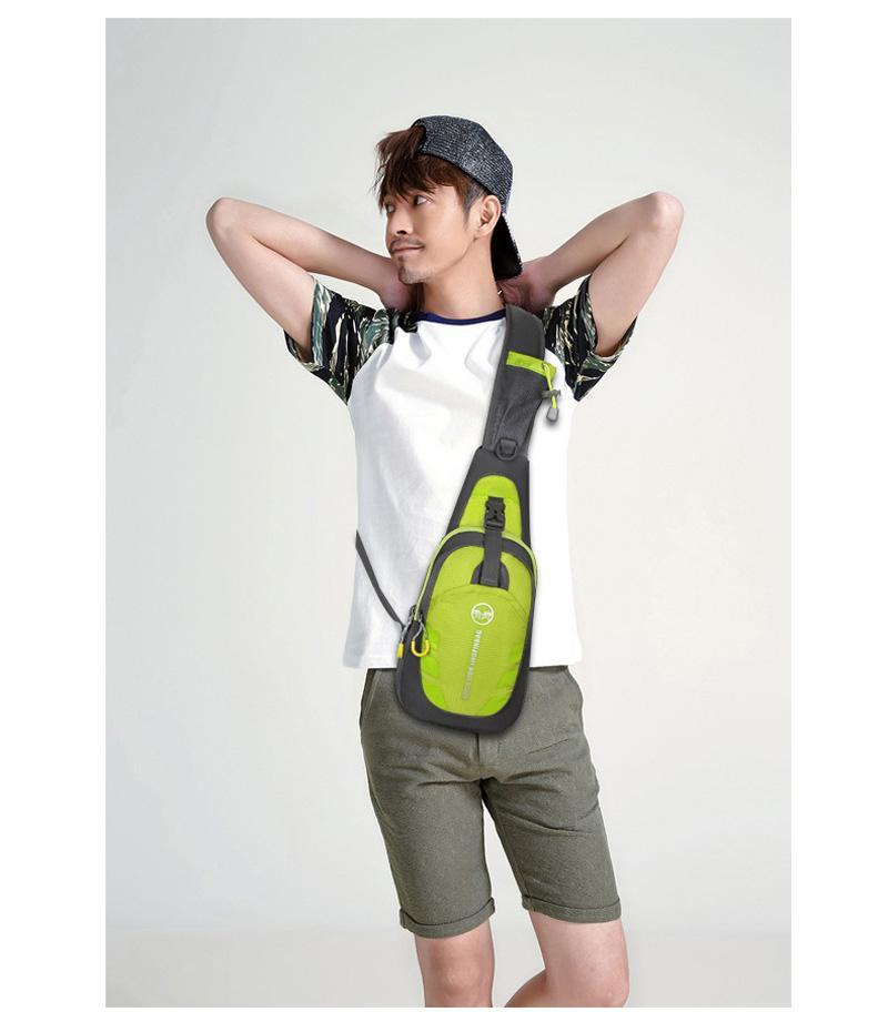 100pcs / lot sacchetto di zaino petto sport esterno impermeabile zaino a tracolla cross body singola borsa a tracolla con cinturino regolabile per l'escursionismo in esecuzione