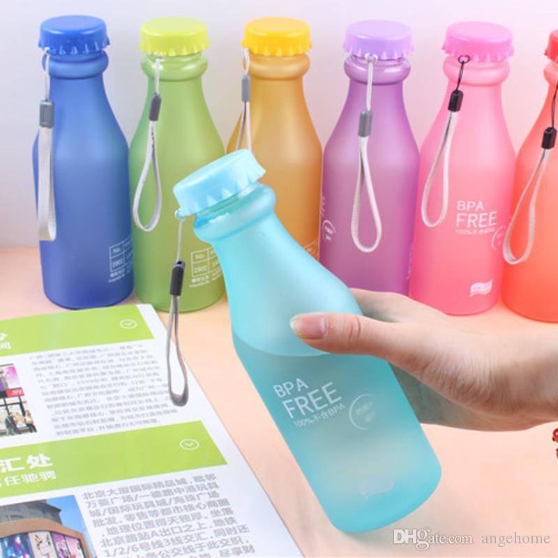 8 colori della caramella tazza di plastica a prova di perdita glassata infrangibile 550mL BPA bottiglia portatile dell'acqua libera per lo yoga di corsa che esegue campeggio