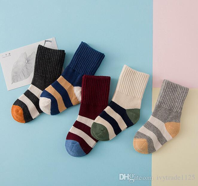 10 colores Baby Kids Socks New Lands Girls Boy 100% Algodón Sock Sock Cómodo Cómodo Niños Buena Calidad Calcetines de invierno Tamaño 3-8T