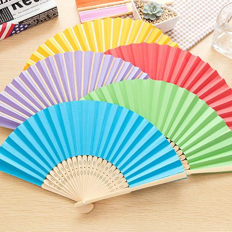 Mini ventilador de papel bonito dos desenhos animados no verão 1085 homens e mulheres estudantes diariamente pequeno ventilador de dobramento