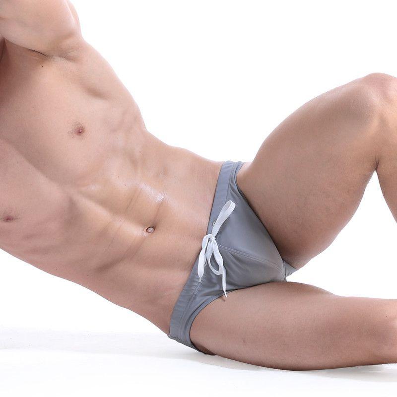Мужские стволы горячая мини человек маленький треугольник плавки досуг плавать носить плавки для молодых мужчин купальный костюм пляжная одежда