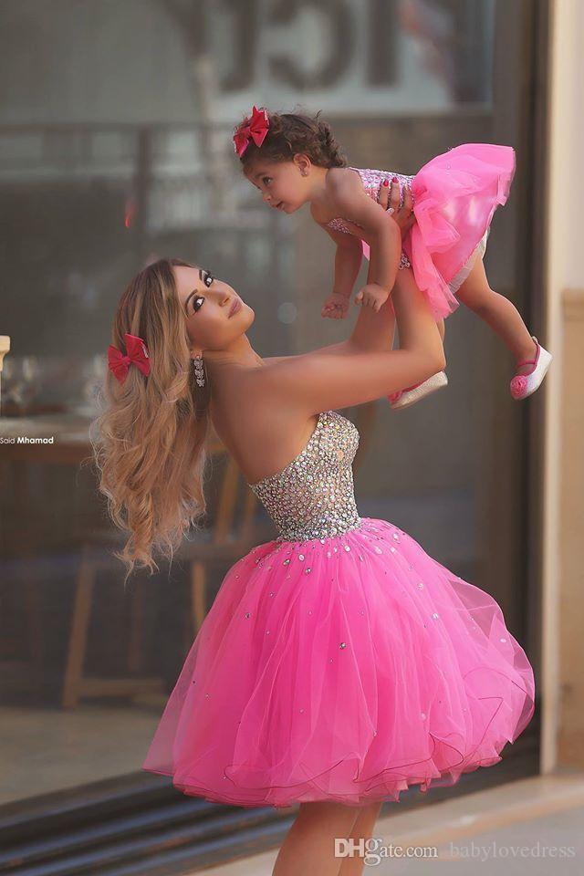 Urocza długość kolana Tulle Little Flower Girls Sukienki 2019 Custom Made Rhinestone Zroszony Bodice Matka I Córka Party Workanty Suknie