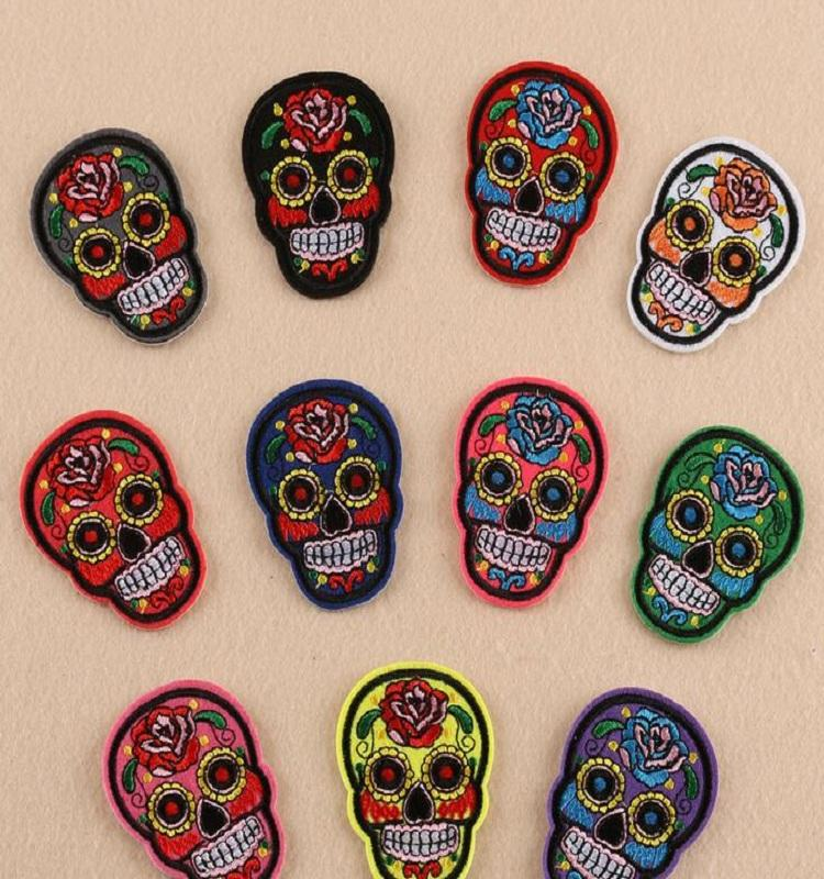 철 패치 DIY 자수 패치 스티커 의류 옷 직물 배지 바느질 창조적 인 두개골 디자인