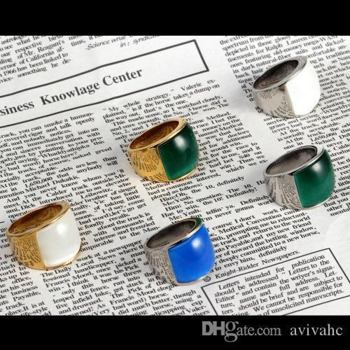 Herren Edelstahl Punk Cooles Design Opal Ring Weiß mit goldener Seitenfarbe Größe 7-12 Avivahc 176