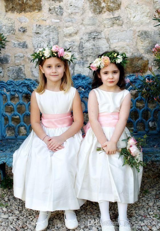 2019 White A-Line Flower Girl Dresses per Bohemia Beach Country Wedding Jewel Pink Ribbon Abiti da concorso economici per la comunione