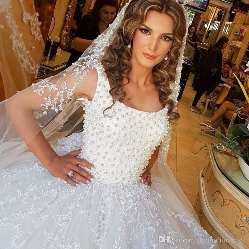Lüks Suudi Arabistan Balo Gelinlik 2017 Kabarık Inciler Boncuklu Aplike Beyaz Dantel Kare Boyun Gelinlikler robe de mariage