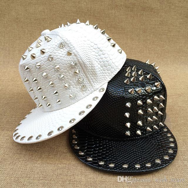 Celebrity syle Calle Jazz Hat Spike Studs Tivet Punk Rock Hip Hop Adulto Sombrero de béisbol de cuero de la PU Casquette para hombres Mujeres