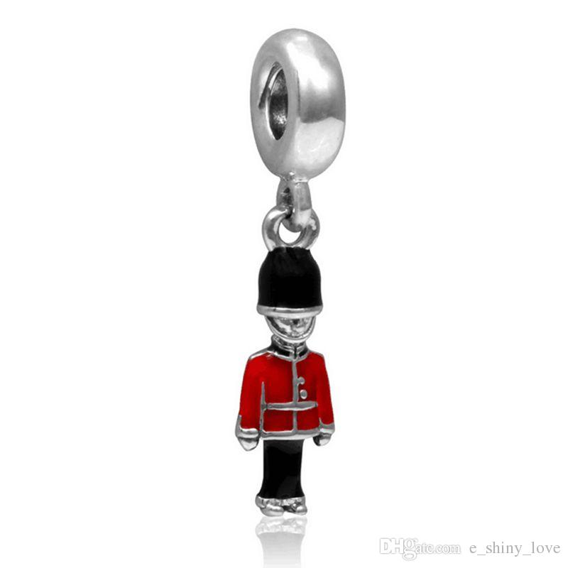 En gros 20 pcs / lot De Mode De Noël Émail Soldier Conception Argent plaqué Dangle DIY Charmes fit Européenne Bracelet Collier Bas Prix