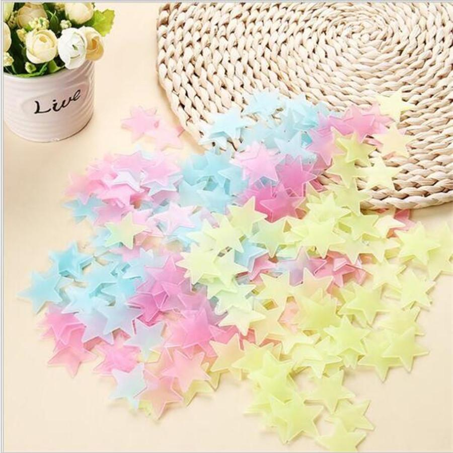 New Hot 50pcs 3D snowflake Stars Glow In The Dark Luminous Fluorescent Plastic Wall Stickers Living Home Decor For Kids Rooms