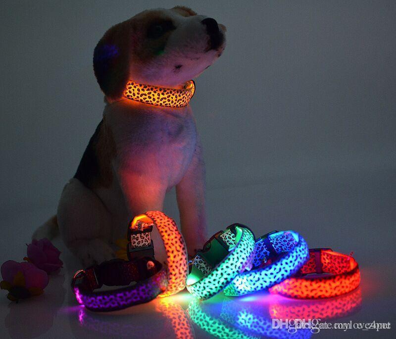Collare di cane collare D08 Collari in nylon a LED Collare di collare emettitori di luce a LED Collare leggero per cani Spedizione gratuita